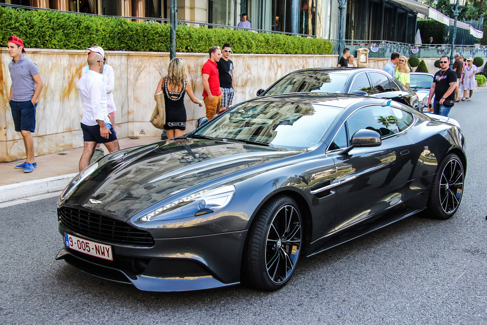 Aston_MartinDBS-jan-London
