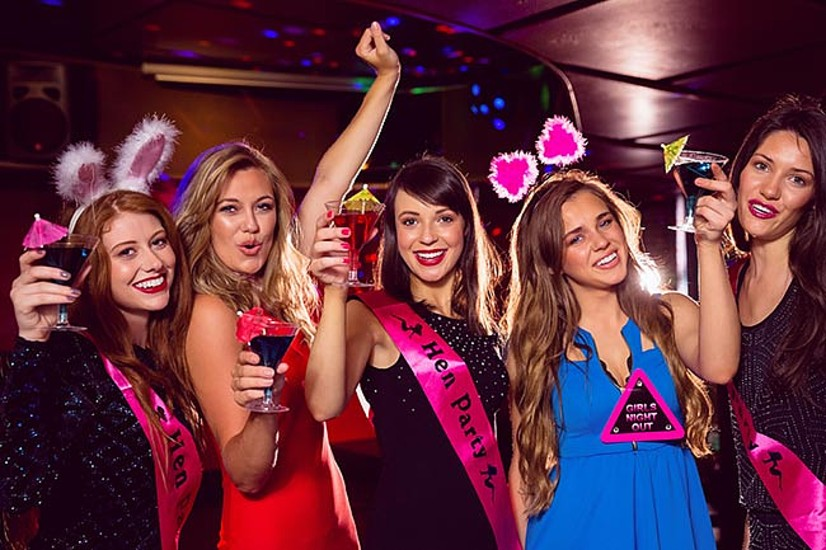 party-on-a-bus-bars-nightclub-tour-hen-party-edinburgh